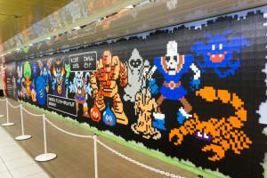 新宿駅の壁画実写